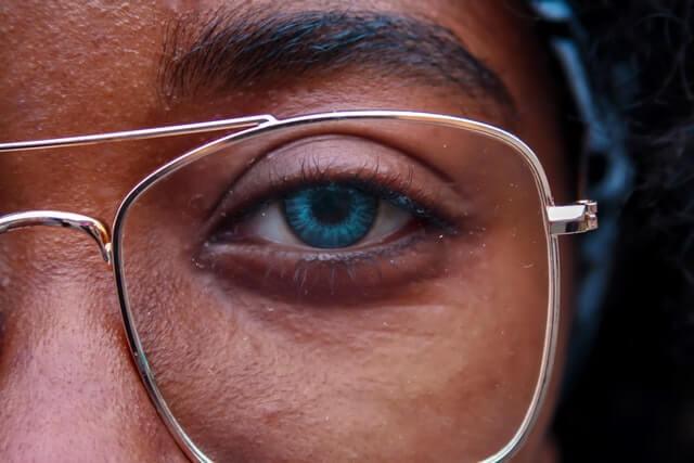 Co-na-zmeczone-oczy-5-sposobów-Biohac