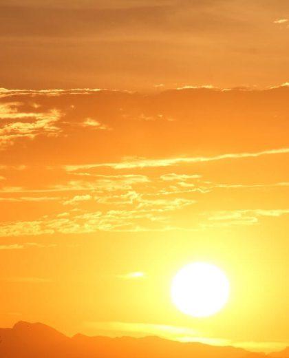 czerwone światło słońca