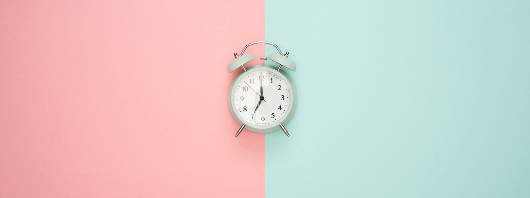 jak ustawić zegar biologiczny - tło